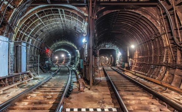 Туннель в московском метро