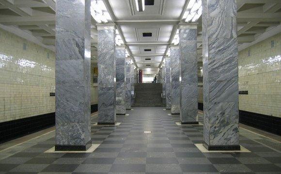 Первые станции метро в Москве