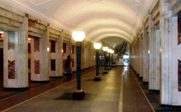 Станция метро Семёновская: